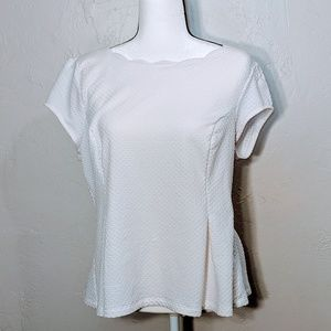 White Elle top with scalloped neckline - size XL